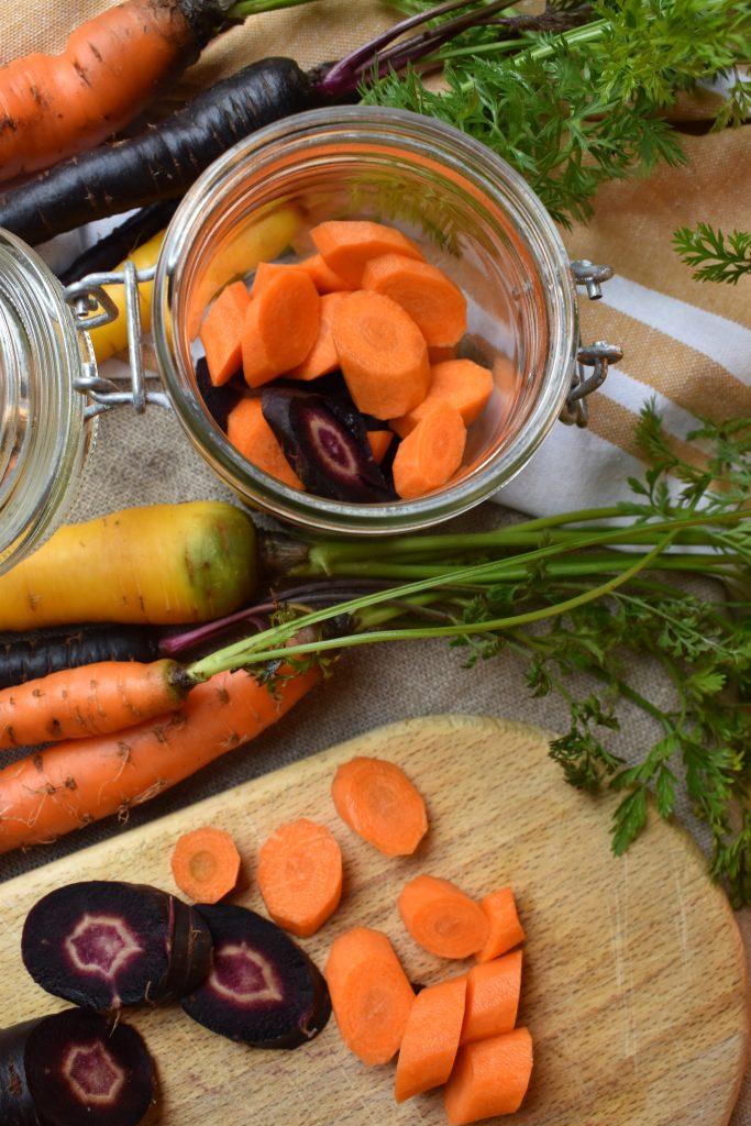 Pickels de carotte. Fermentation de l'académie de la fermentation