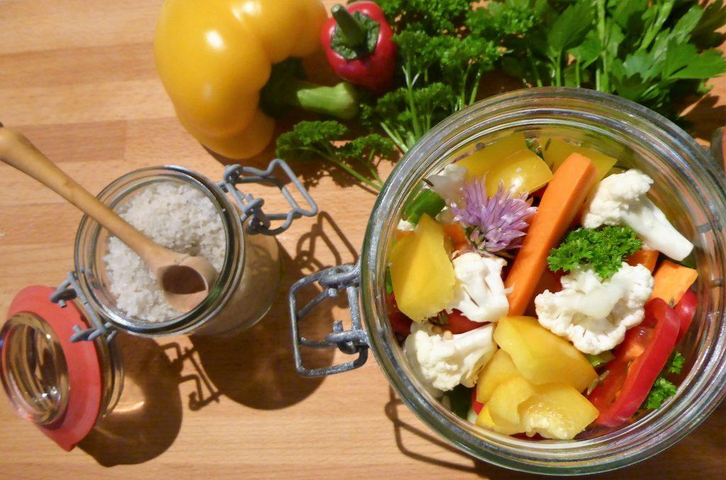 pickels de légumes d'été par l'académie de la fermentation